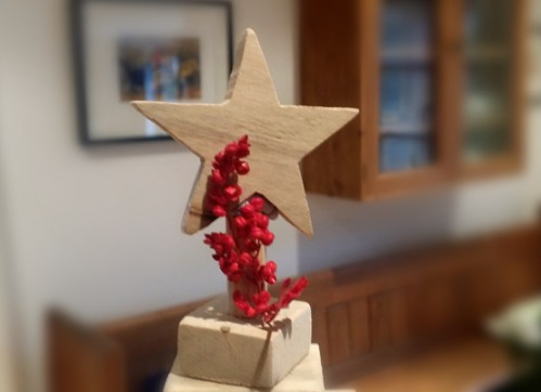 Make your own Christmas star from an old  pallete