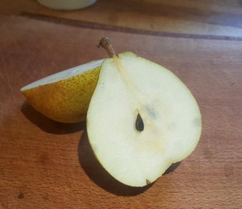 Juicy Doyenne du Comice Pears